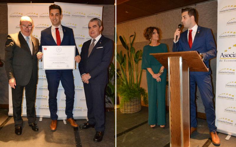 Marcos, CEO de SDi, recibiendo la medalla europea al mérito en el trabajo